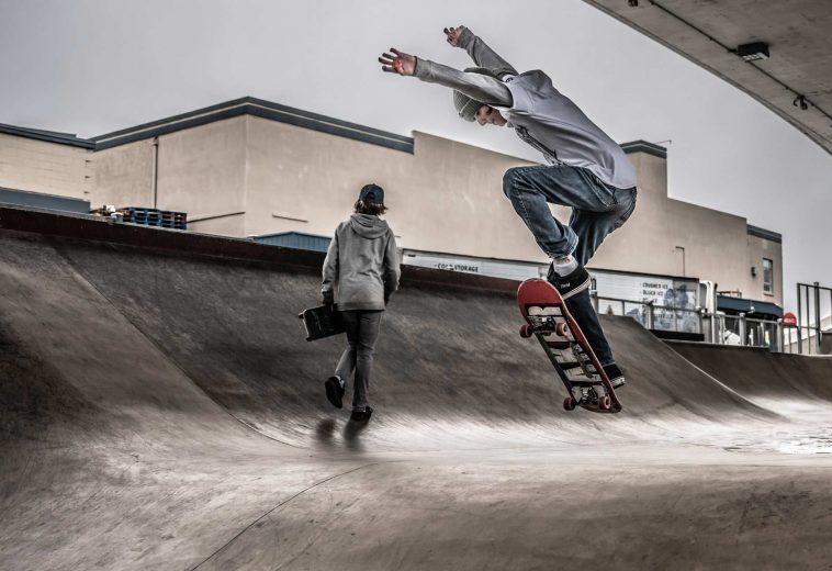 action-balance-jumping-2020157